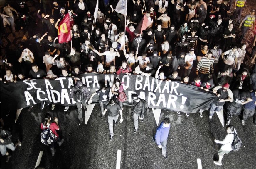 Movimentos ganham as ruas