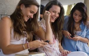 Como os jovens brasileiros usam seus smartphones - Being